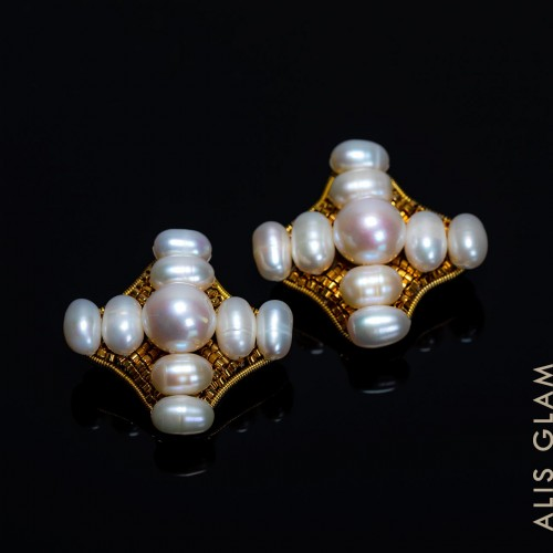 Earrings Pearls